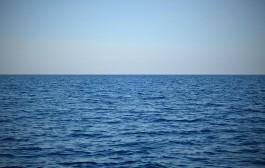 نخستین شناور جمع آوری آلودگی نفتی به آب اندازی شد