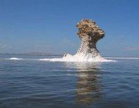 آب دریاچه ارومیه ۹ سانتیمتر کاهش یافت