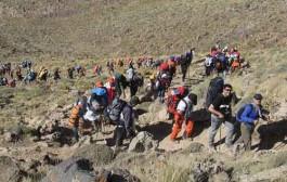 کوهنوردان صنعت آب و برق کشور به قله دماوند صعود کردند