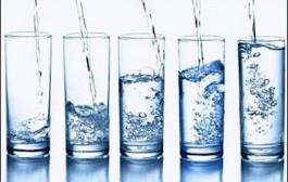 نوشیدن آب وسط غذا باعث زخم معده میشود