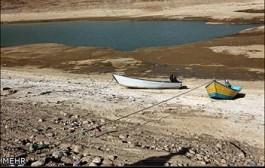 کاهش سطح آب دریاچه سد لار