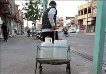 فروش دبهای آب در پایتخت؛ هر دبه ۵۰۰ تومان