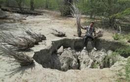 یک استاد دانشگاه: فروچاله های میناب ناشی از مرگ آبخوان/ خسارات جبران ناپذیر است
