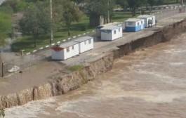 طغیان رودخانهها تاسیسات آب و فاضلاب خوزستان را زیر آب فرو برد