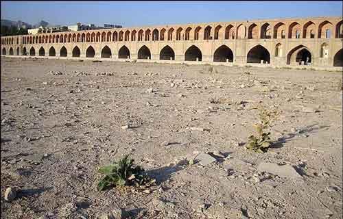شرایط منابع آب استان اصفهان همچنان در وضعیت قرمز است