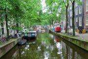 مصرف آب توسط ایرانی ها و هلندی ها