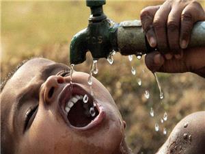 عرضه آب در بطری یکی از تجارتهای پرسود جهانی است. تنها آب آشامیدنی