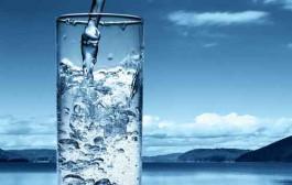 ۵ نشانه کمبود آب در بدن