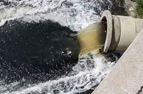 تلاقی آب و فاضلاب در زایندهرود